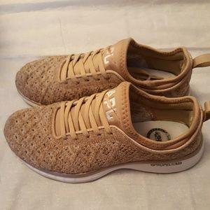 APL Techloom Phantom Propelium Peach sneakers